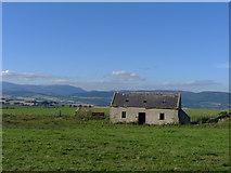 NH6662 : Redundant farm building by Julian Paren