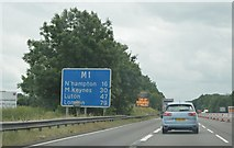 SP5772 : M1 south of J18 by N Chadwick
