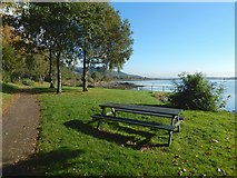 NS4074 : Dumbarton Foreshore Walk by Lairich Rig