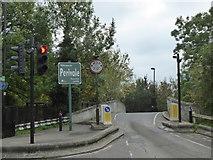 TQ1683 : Narrow bridge in Horsenden Lane North by Rod Allday