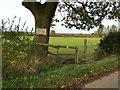 SJ8051 : Footpath off Great Oak Road by Jonathan Hutchins