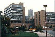 SU9850 : University of Surrey by Jonathan Hutchins