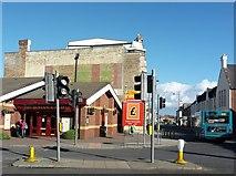 NZ2787 : Junction on Woodhorn Road, Ashington by Graham Robson