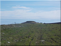 HY6737 : Sanday: approaching Quoyness cairn by Chris Downer
