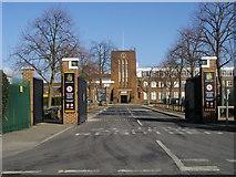 TQ1371 : Hampton School by Shaun Ferguson