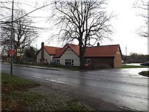 TM1179 : The Thatchers Needle Public House, Diss by Adrian Cable
