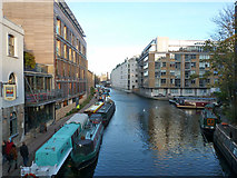 TQ3283 : Regent's Canal east of bridge 39 by Robin Webster