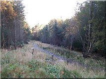 J3630 : Short cut footpath along the line of the HEP pipeline by Eric Jones