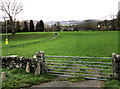 SO2118 : Yellow hydrant marker and field gate, Crickhowell by Jaggery