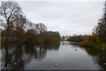 TQ2979 : Lake in St. James's Park by DS Pugh