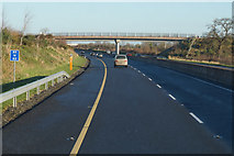 S6662 : M9 Northbound towards junction 6 by Ian S