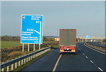 S7781 : M9 Northbound towards junction 4 by Ian S