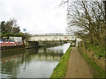 TQ1579 : Hanwell, Bridge No 205a by Mike Faherty