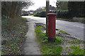 SU9660 : Letterbox, Scott's Grove Road by Alan Hunt
