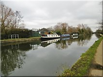 TQ1281 : Southall, moorings by Mike Faherty