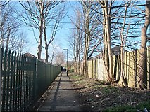 SE2434 : Footpath from Lower Town Street to Daisyfield Road by Stephen Craven