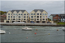 SX4953 : New homes, The Old Wharf by N Chadwick