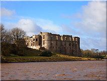 SN0403 : Carew Castle by Chris Andrews