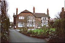 SJ7886 : Detached Residence by Anthony O'Neil