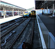 SS6593 : Platforms 3 and 4, Swansea railway station by Jaggery