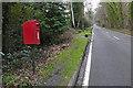 TQ0063 : Letterbox, Stonehill Road by Alan Hunt