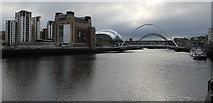 NZ2563 : River Tyne, Newcastle by Dave Pickersgill