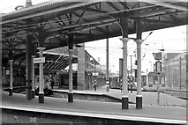 NZ2463 : Newcastle Central Station, the Eastern End of Platform 3 by David Dixon