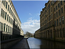 SE1438 : Leeds & Liverpool Canal at Salt's Mill by Graham Hogg