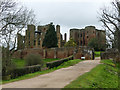 SP2772 : Approaching Kenilworth Castle by Graham Hogg
