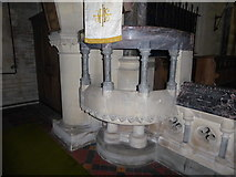 SU3981 : St Mary, Fawley: pulpit by Basher Eyre
