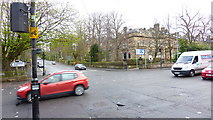 NS5667 : Junction of Hyndland Road and Great Western Road, Glasgow by Richard Cooke