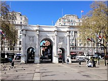 TQ2780 : Marble Arch by Chris Whippet