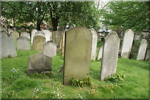 TQ3282 : View of graves in Bunhill Fields #16 by Robert Lamb