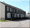 SS7799 : Row of six houses, Park Street, Tonna by Jaggery