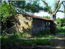 TF1309 : Disused barn off Lincoln Road, Deeping Gate by Paul Bryan