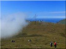 NA0900 : Descending Conachair to Mullach Mor by Gordon Brown