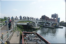 TQ3882 : View of the raised pathway at the confluence of the River Lea Navigation and Limehouse Cut by Robert Lamb