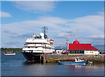 NM8530 : North Pier, Oban - June 2016 (1) by The Carlisle Kid