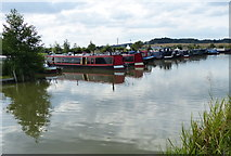 SP9122 : Grove Lock Marina on the Grand Union Canal by Mat Fascione