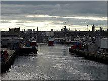 NJ9505 : Departing from Aberdeen by John Lucas