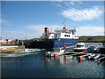 HU5362 : The Whalsay ferry, MV Linga, leaving Symbister pier by David Purchase