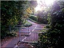 SZ0795 : East Howe: triple barrier on Learning Lane by Chris Downer