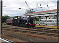 SE5951 : Steam train arriving at York by Ian Taylor