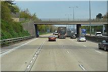 TQ0464 : Spinney Hill Bridge, M25 by N Chadwick