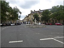 ST7565 : Fountain and roundabout at the end of Great Pulteney Street, Bath by David Smith