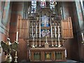 SE1020 : All Saints, Elland: altar and reredos by Stephen Craven