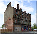 NS5864 : The last Gorbals tenement by Thomas Nugent