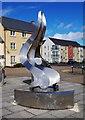 SP2807 : Sculpture in Marigold Square (1), Shilton Park, Carterton, Oxon by P L Chadwick