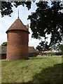 SO8047 : Dovecote at Home Farm, Madresfield by Philip Halling