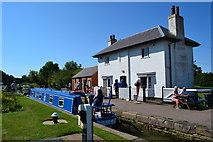 SP6989 : Top lock, Foxton by David Martin